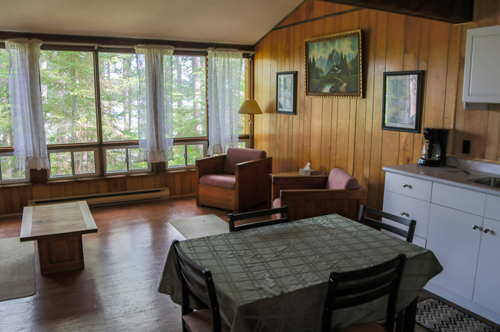 Tamarack Cabins at Bark Lake This recently renovated space has four bedrooms and can accommodate up to sixteen people. Features include sitting area and washrooms within the lodge.
